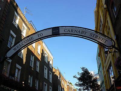 carnaby street, ciel bleu.jpg