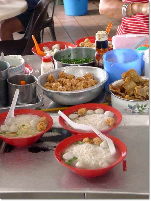 Various Yong Liew & Noodles
