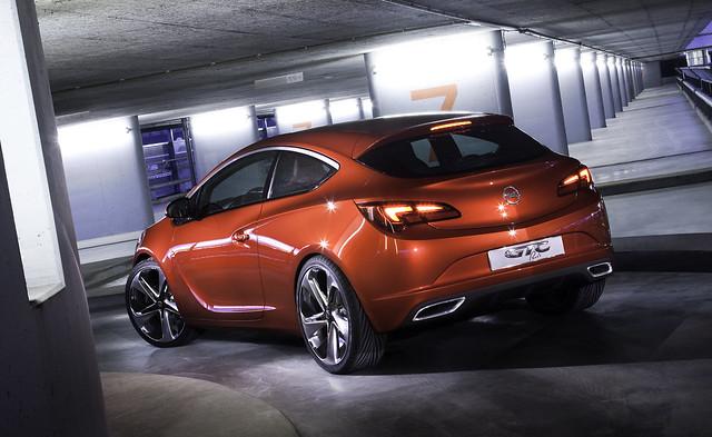 5017563993 e4d9d3b8cf z Opel GTC   Code Red