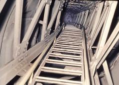 Liberty Arm (photocenter48) Tags: statue liberty libertad iron arm steps tunnel torch copper ladder statueofliberty tunel libre cobre escaleras esttua independencia brazo acero ferro antorcha hierro intriga peldaos peldao sincadenas gilbertopizanoarroyave