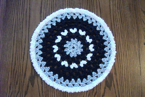 15-inch Black/Gray/White Mandala