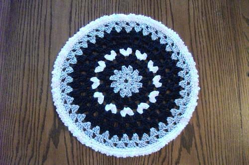 15-inch Black/Gray/White Mandala
