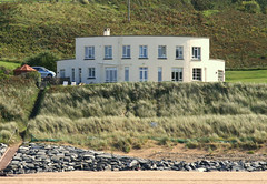 Putsborough (mind the goat) Tags: white beach architecture bay view north modernism devon morte round sands curve modernist putsborough putscombe