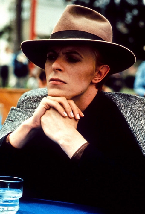 bowieThe_Man_Who_Fell_to_Earth__1976_