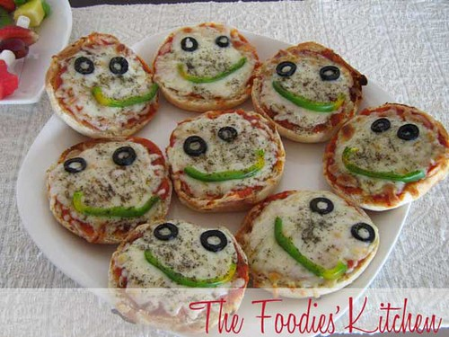 Cooking with Kids: Mini Pizzas