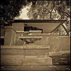 chicago-121 (T. Scott Carlisle) Tags: chicago frank lloyd wright robiehouse flw tsc tphotographiccom tscottcarlisle filmtrix320hasselblad50mm6x6squaretoned