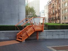 Bruxelles (Belgique), rue de Louvain: l'escalier orange (Marie-Hlne Cingal) Tags: brussels stairs belgium belgique bruxelles staircase scala brussel escaleras treppen escaliers