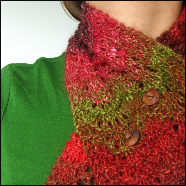 scarf detail; knit, knitting, handknit, handmade, noro silk garden, green, red, brown, orange, scarf, scarflette, neckwarmer, etsy, folksy, artisan, craft