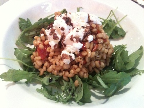 Caffe dei Cioppi: Barley salad with roasted bell peppers and balsamic dressing