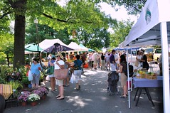 Falls Church Farmers' Market (by: George Brett, creative commons license)