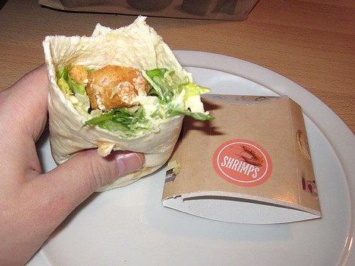 05 - Crispy Shrimps Wrap - angebissen