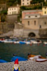 McTart in Vernazza (raelala) Tags: italy europe italia liguria unesco worldheritagesite cinqueterre vernazza 2010 morgenstern 5terre thefivelands cedricthegnomemctart canon7d europe2010