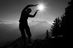 (Mr.Bones) Tags: bw sun mountains alps silhouette person star dancing hiking teufelstein