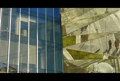 Fracture (simcal) Tags: barcelona abstract reflection glass architecture mirror spain sony edificio gas espana barceloneta miroir astratto espagne architettura sede barcellona miralles spagna verre specchio vetro riflesso dscv1 tagliabue marenostrum gasnatural astrazione