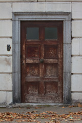 """St James Park old door • <a style=""""font-size:0.8em;"""" href=""""http://www.flickr.com/photos/54935746@N07/5094410889/"""" target=""""_blank"""">View on Flickr</a>"""