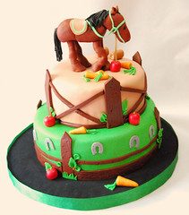 Caballo (Mariana Pugliese) Tags: horse frutas cake caballo manzana campo feliz cumpleaños torta mariana corral zanahoria herradura fardo pugliese 241543903 marianapugliese pugliesem