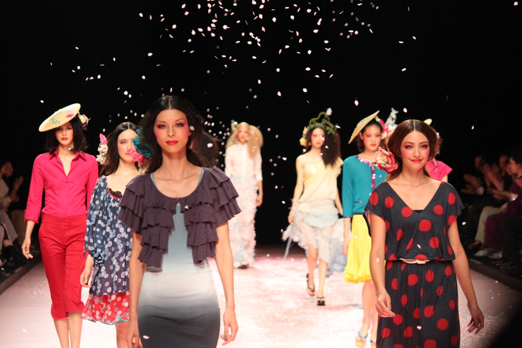 Tokyo Collection Week 2010 Raising the Curtain (4)