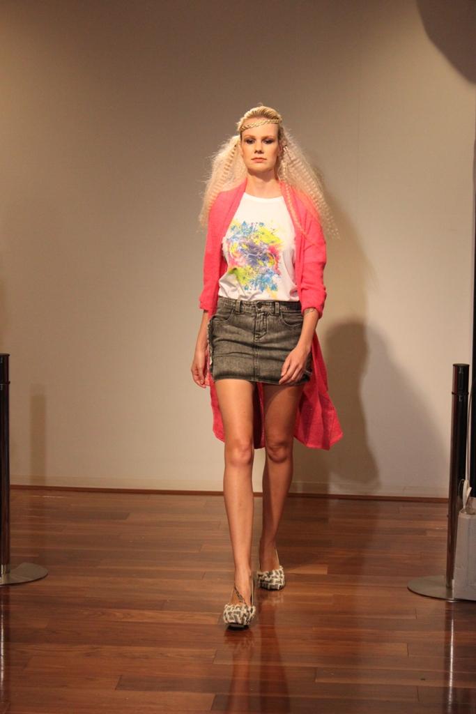 """Naoshi Sawayanagi Collection """"Japan Fashion Week in TOKYO 2010″ (5)"""