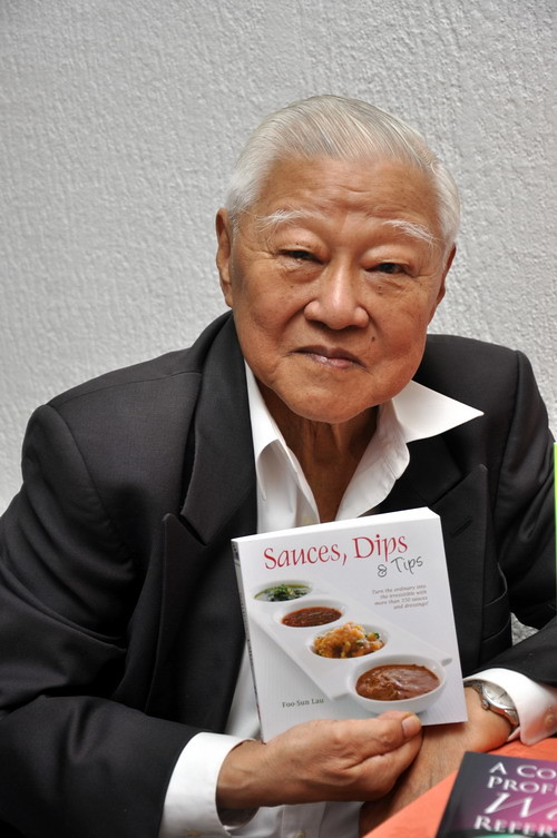 Sauces Dips n Tips Author