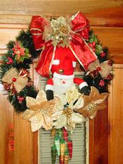 Guirlandas com noel maior R$ 45,00 (MIMOS ARTESANAIS2009) Tags: noel botas guirlandas natalinas