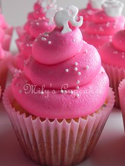 Barbie and cupcakes toppers (Mily'sCupcakes) Tags: pink cake cupcakes barbie toppers milyscupcakes