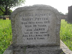Rem 107 (Philip Snow) Tags: grave yorkshire harry potter