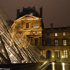 Le Louvre (Paris) (renan4) Tags: paris france monument night nikon louvre pyramide 1224mm palaisroyal dx mus d80 renan4 renangicquel