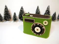 Degicame: Christmas Tree Color (hine) Tags: christmas camera holiday green art geek handmade craft felt christmastree case pouch button digitalcamera etsy maccha mossgreen hine cameracase