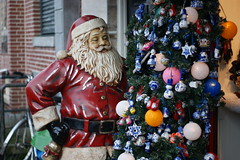 Amsterdam Santa (pepemczolz) Tags: santa christmas lovestree amsterdamsonya350minolta50mmf17