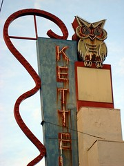 Kettells Sign (Blinking Charlie) Tags: seattle usa abandoned vertical rust neon rusty diner owl roadside washingtonstate 2011 sonydscn2 kettells 4thavenues blinkingcharlie