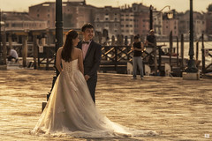 Venetian wedding (BAN - photography) Tags: bride groom weddingdress weddingshoot sanmarco venice d810 morninglight piers lampposts