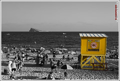 BAYWATCH (penn84^^) Tags: espaa david color beach yellow photoshop canon cutout out de photography eos la mar is spain mediterraneo cut mitch playa paisaje arena alicante amarillo anderson cj 7d l sos ingles hasselhoff pamela terra turismo 112 comunidad valenciana poniente benidorm aleman profesional mitica 24105 cs4 aqualandia vigilante caseta guiri turist auxilio socorrista salvamento marinabaja marinabaixa boucannon