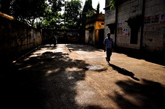 Just another morning in the streets of Old Dhaka (fahim_123752) Tags: morning people streets morninglight earlymorning streetphotography bangladeshistreetphotography