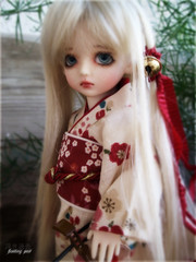 :: Floating Past :: Chibi-Miyon (Miyon Sybert Douval) Tags: japan toys maiko geisha tiny blonde kimono bjd oriental shamisen ch uri bambola balljointeddoll customhouse angeai