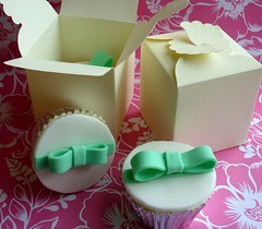 Boxed cupcake wedding favours (Star Bakery (Liana)) Tags: nottingham green cupcakes bow boxed favours weddingcupcakes