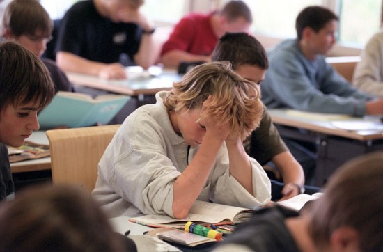 Solo 1 de cada 3 adolescentes termina la secundaria a tiempo-Informe realizado por IDESA