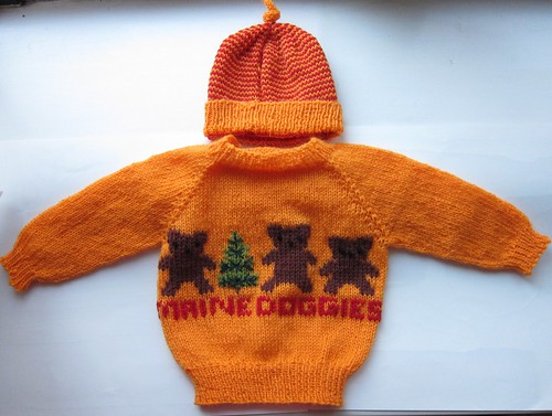 """Maine Doggies"" Orange Baby Sweater & Hat"