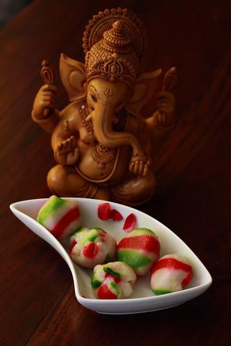 ganesha and Kozhukattai (sweet dumplings) by Swami stream