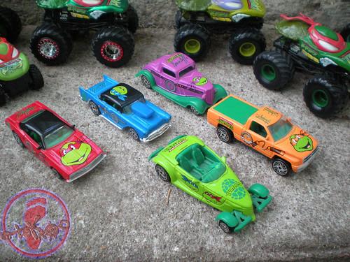 """Racing Champions """"Street Wheels"""" diecast 1:64 scale - 'Teenage Mutant Ninja Turtles' 5 pack :: GROUP (( 1999 ))"""
