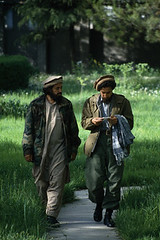 42-15933186 (Memories of Massoud) Tags: 2 people afghanistan men asia asians military fulllength males prominentpersons leader adults kabul afghans midadult midadultman militarypersonnel militaryofficer governmentofficial politicalleader centralasians militaryleader kabulprovince ahmedshahmassoud