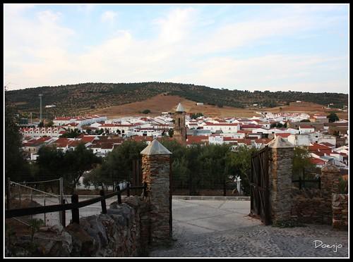 Alanís desde el Camino al Castillo