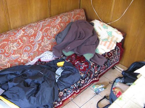 Sofá onde dormi em Bran, Roménia