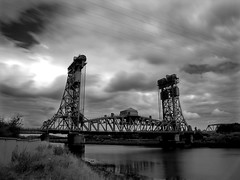 Tees Newport Bridge. (paul downing) Tags: longexposure canon middlesbrough gi gettyimages rivertees weldingglass pd1001 teesnewportbridge sx10is pauldowning