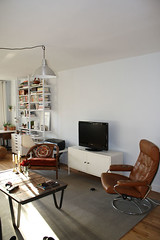 living-room-tv (GoodAfternoonan) Tags: living apartment room therapy apartmenttherapyny rakks
