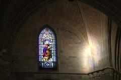 Luces de piedra (Catalina Gracia Saavedra) Tags: canon highlights 7d vidrieras reflejos cristaleras vitrales religiousstainedglass catedraldemurcia vidrieraspolicromadas