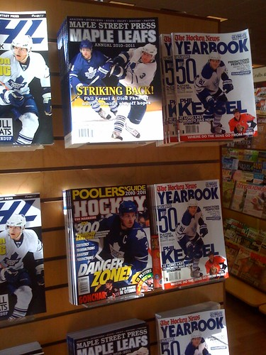 2010-2011 Maple Leafs Annual on sale