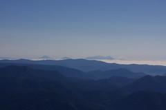 雲海に浮かぶ阿寒の山々