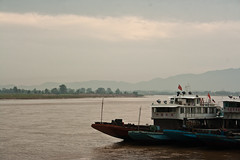 IMG_4580 (urartola) Tags: river landscape thailand boat asia southeastasia mekong chiangsaen galdutacom