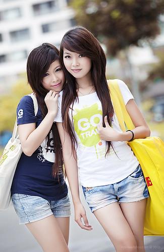 Hình chân dung ngoài trời model Diễm Thu - Quỳnh Thơ