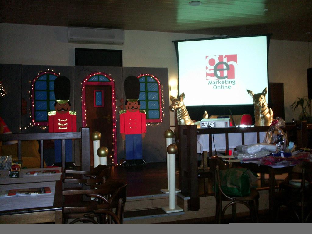 HouRHappy setembro 2010 - Cenário montado para a peça Fábrica dos Sonhos